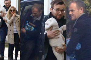 Kasia Tusk i Staszek Cudny z córką na rękach. Przywykli do fotoreporterów? (ZDJĘCIA)