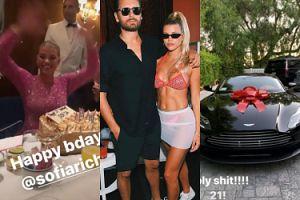 21. urodziny Sofii Richie w Las Vegas: różowy kombinezon z kryształkami Swarovskiego i warty 800 TYSIĘCY ZŁOTYCH Aston Martin od chłopaka