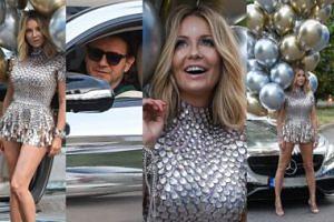 Złota Małgorzata Rozenek z balonami adoruje Radzia przy srebrnym Mercedesie (ZDJĘCIA)