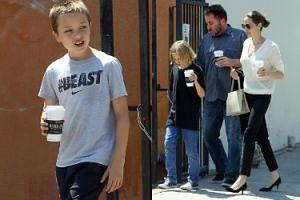 """Angelina Jolie zabrała dzieci na kawę i do """"escape roomu"""" (ZDJĘCIA)"""