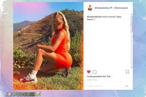 Khloe Kardashian pręży się na trawniku