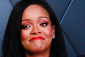 Rihanna pozwała ojca do sądu!
