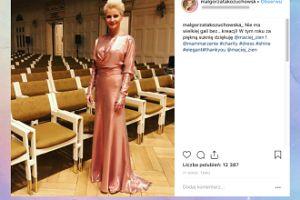 Elegancka Kożuchowska pozuje w sukni od Zienia