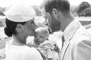 Meghan Markle i książę Harry pokazali zdjęcia z chrztu Archiego! (FOTO)