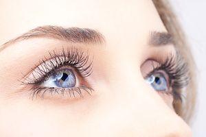 aki asztigmatizmussal javította a látást