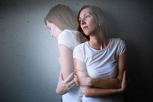 Rzeczy, które warto wiedzieć, spotykając się z dziewczyną z depresją