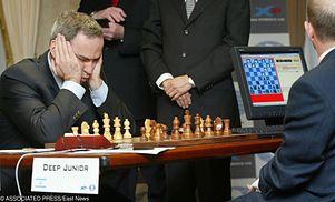 Legendarna porażka sprzed 22 lat. To świetnie, że Kasparow przegrał w szachy z komputerem