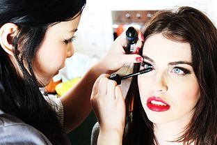 Makijaż Oczu Do Czerwonej Sukienki Jejświatpl