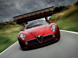 Alfa Romeo 8C Competizione 1 generacji Spider cabriolet 4.7 MT (444 KM)