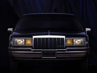 Lincoln Town Car 2 generacji