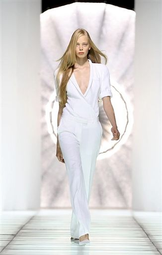 4. Pod gorset 10 wcieleń białej koszuli WP Kobieta  0CXNK