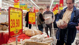 Wkrótce upływa termin przydatności żywności do spożycia? Kukiz chce, by sklep obowiązkowo oddawał ją potrzebującym
