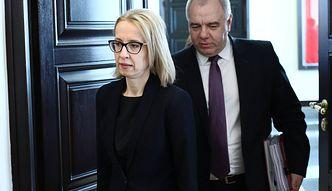 """Dymisja minister finansów Teresy Czerwińskiej. Jacek Sasin zaprzecza: """"Jest na zwolnieniu"""""""