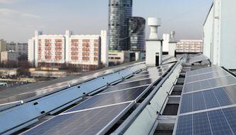 Elektrownie z wielkiej płyty. Dzięki solarom blokowiska obniżają rachunki mieszkańcom