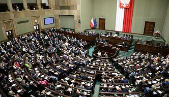 Podwyżki dla polityków. Sejm przyjął dwie poprawki do ustawy