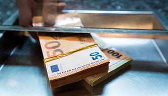 Kursy walut NBP 28.11.2020 Weekendowy kurs euro, funta, dolara i franka szwajcarskiego