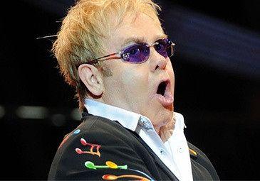 Egipcjanie nie chcą Eltona Johna!