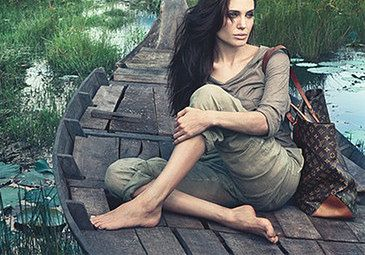 Angelina Jolie w kampanii Louis Vuitton! (FOTO)