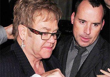 """Elton John musi umrzeć!"""