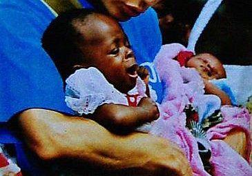 Pomagają dzieciom w Afryce