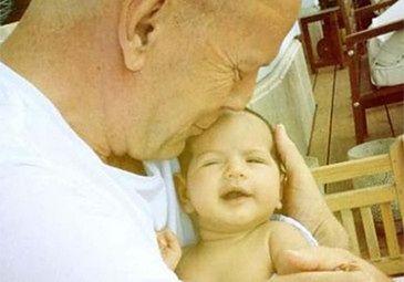 PIERWSZE ZDJĘCIE córeczki Bruce'a Willisa! (FOTO)