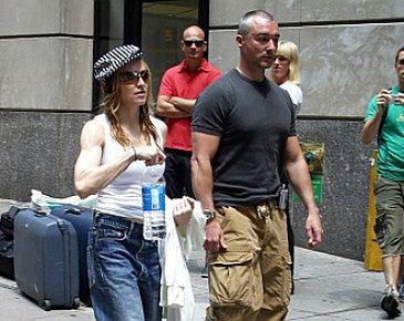 """Madonna mówi """"tak"""" operacjom plastycznym"""