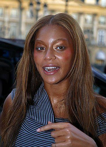 Potworny make-up Beyonce