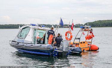 Na jeziorze, na którym zaginął Piotr Starak doszło do DRUGIEGO WYPADKU. Dwóch mężczyzn trafiło do szpitala