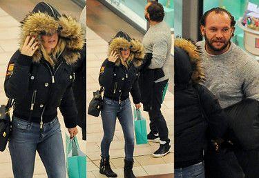 Nositorba nosi torby z Dodą w centrum handlowym (ZDJĘCIA)