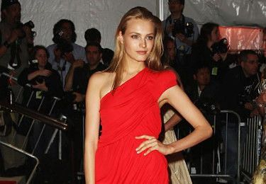 """Anna Jagodzińska opowiada o trudach pracy w modelingu: """"Otarłam się o ANOREKSJĘ"""""""