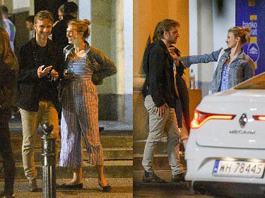 Roześmiany Maciej Musiał randkuje wieczorową porą z tajemniczą blondynką (ZDJĘCIA)