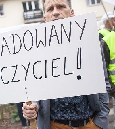Tysiąc złotych podwyżki dla nauczycieli kosztowałby łącznie 6 mld zł. Zapłaciłyby gminy