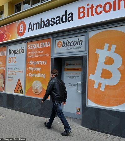 Bitcoin może zdrożeć w przyszłym roku. Pomogą w tym Microsoft i Starbucks