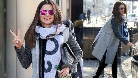 Uśmiechnięta Lewandowska wsiada do limuzyny