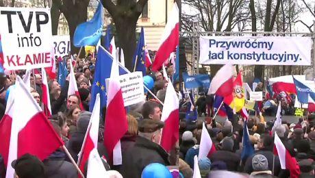 50 tysięcy ludzi manifestowało w Warszawie Do błędów nie przyznają się mali ludzie Żądza władzy opanowała im umysły