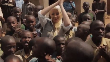 Christina Aguilera odwiedziła RWANDĘ