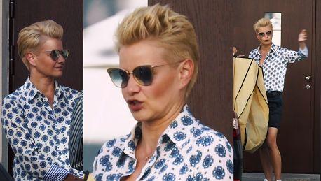 Kożuchowska z paskiem Gucci plotkuje na ulicy Stylowa