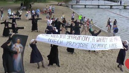 Tańczące zakonnice zachęcają do przyjazdu na Światowe Dni Młodzieży