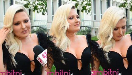 Andrzejewicz reklamuje swój biust Chwalę się bo mam fajne piersi Są naturalne