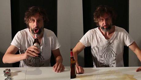 Majewski pokazuje jak pić Ciechana po męsku