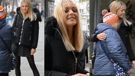 Zwyciężczyni Top Model pozuje z fanką do zdjęć WIDEO