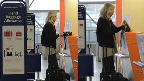 Anja Rubik na lotnisku