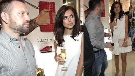 Siwiec pije z mężem szampana