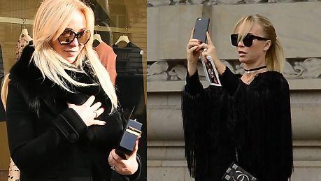 Przetakiewicz robi sobie selfie na Paryskim Tygodniu Mody