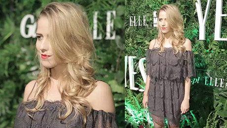 Jessica w koronkowej sukience