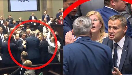Tomasz Lenz uderzył w Sejmie posła PiS WIDEO