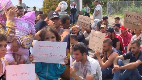 Otwórzcie drzwi do Europy Gdzie jest ludzkość Uchodźcy protestują pod węgierską granicą
