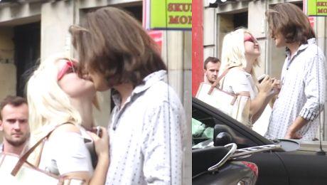 Margaret całuje się z nowym chłopakiem