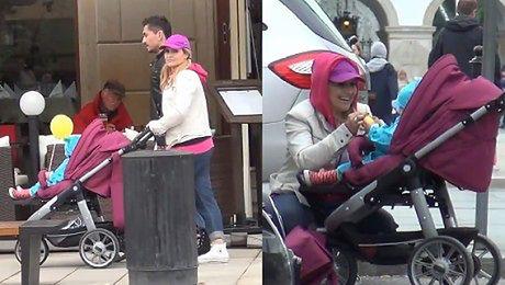 Skrzynecka i Łopucki na spacerze z córką