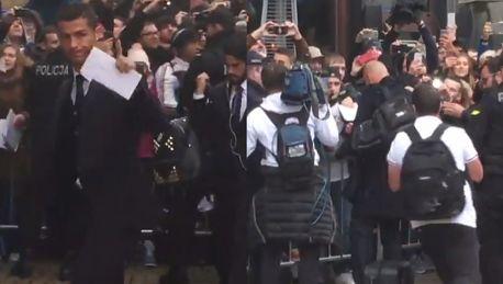 Piłkarze Realu Madryt przylecieli do Warszawy